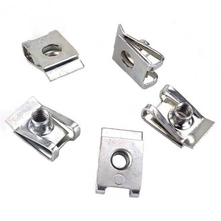 spire-clips-m4-for-up-to-3mm-panels-pack-of-5
